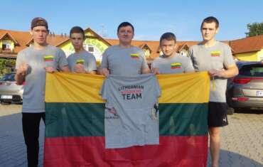 Lietuvos jaunių kikbokso rinktinė jau Italijoje